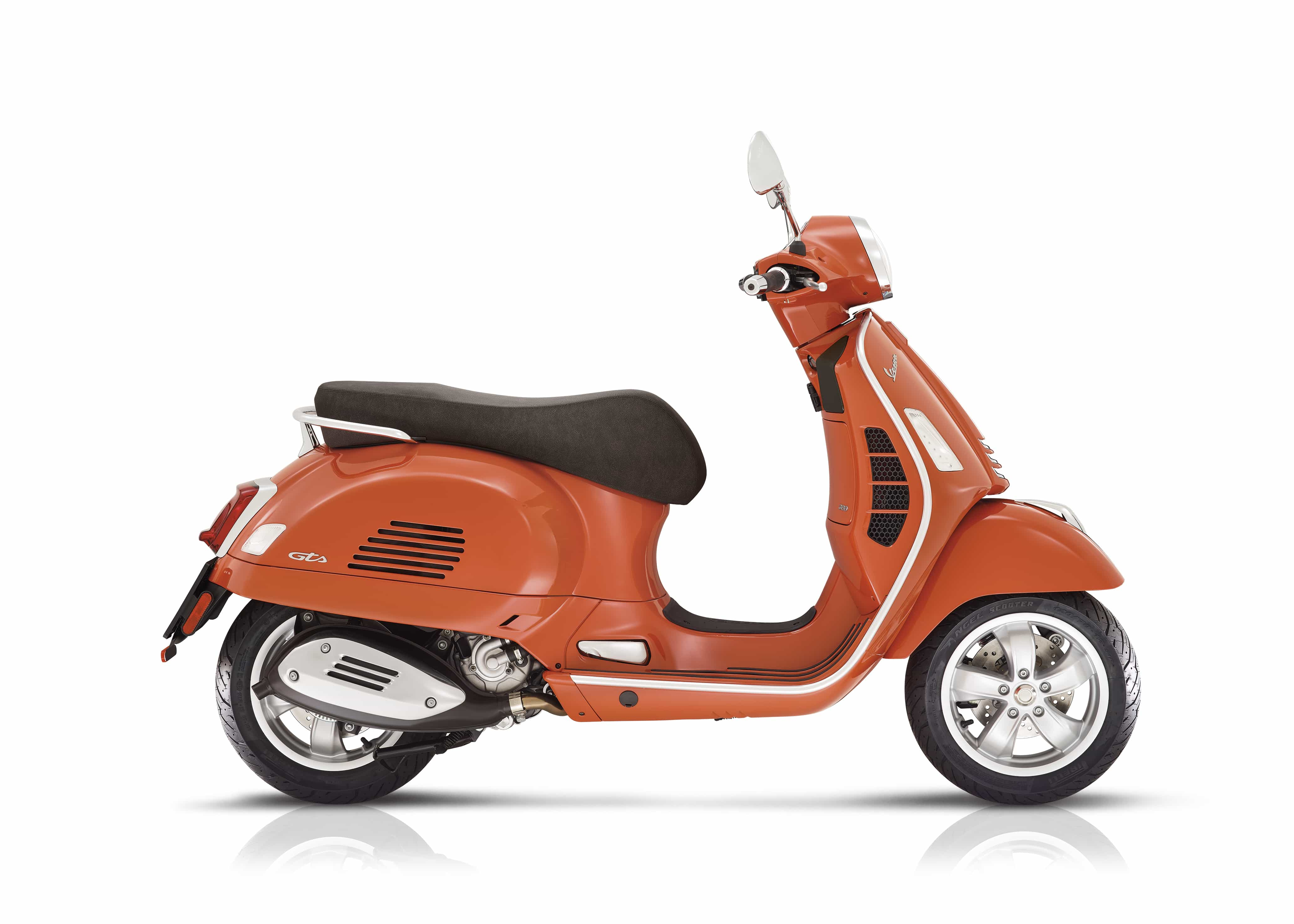 Vespa GTS classic oranje