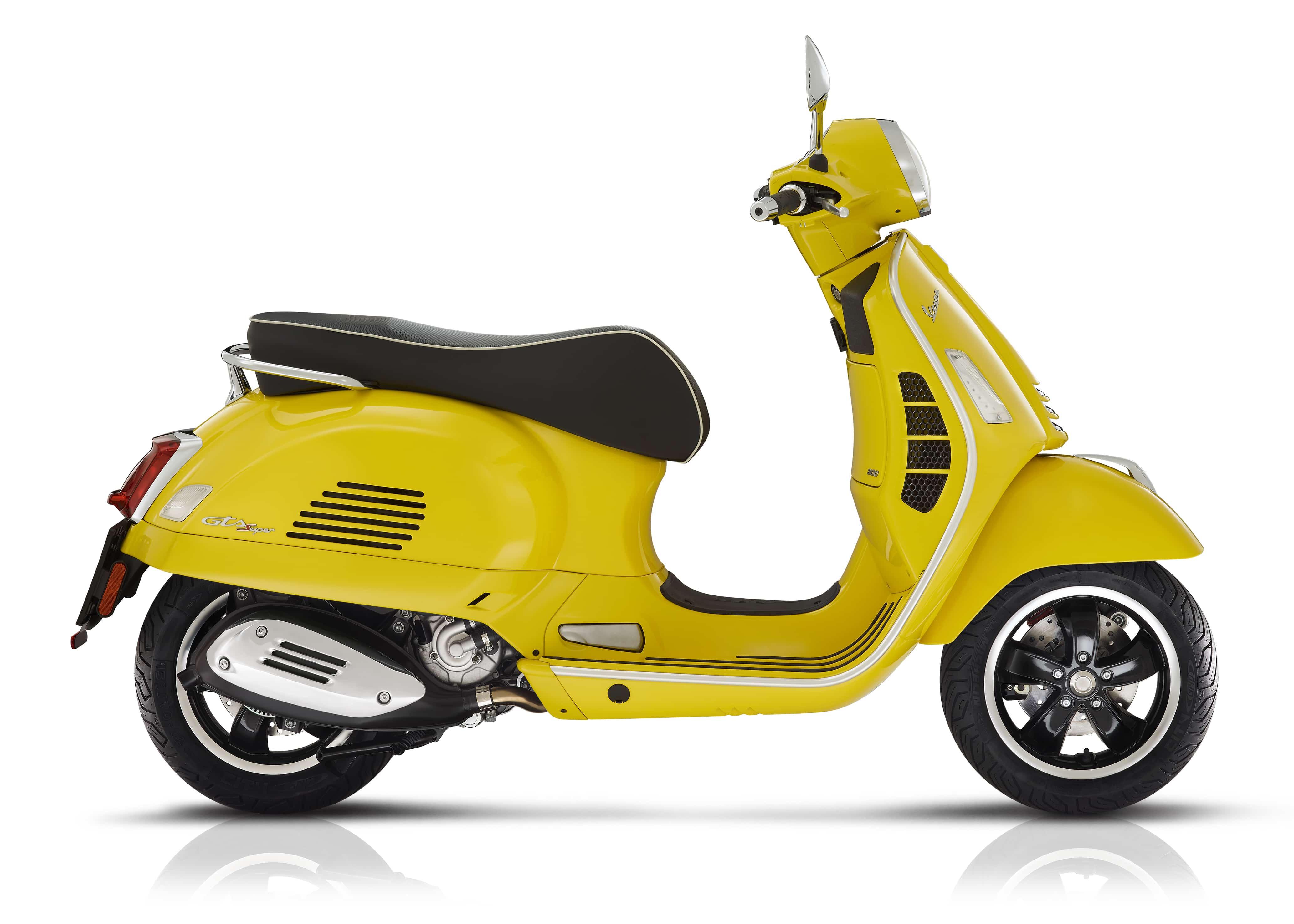 Vespa GTS super geel